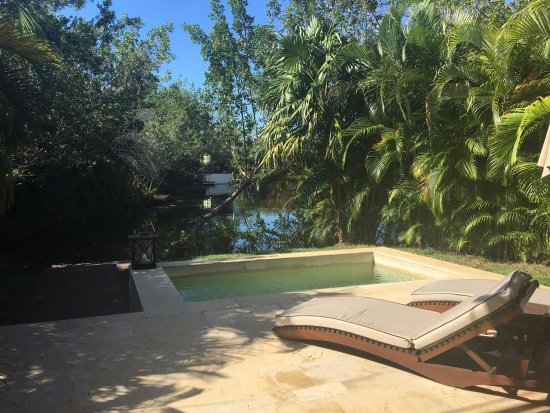 Rosewood Mayakoba: view of plunge pool in deluxe lagoon suite