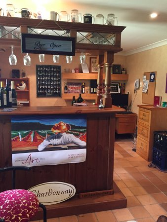 Sovereign Hill Country Lodge: Cellar Door reception