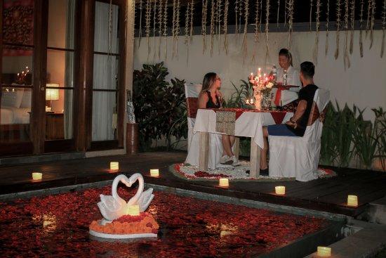 The Kampung Ubud Villa: Candle Light Dinner