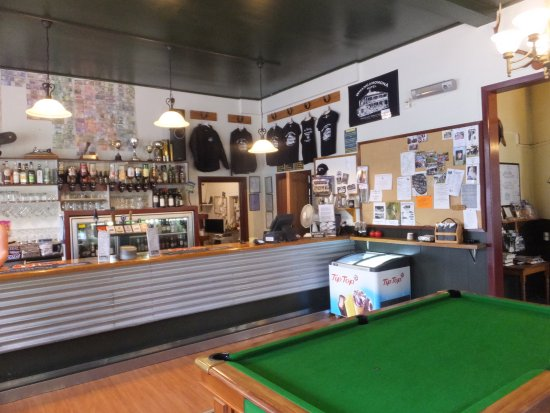 Stratford, Nueva Zelanda: The bar at Whangamomona