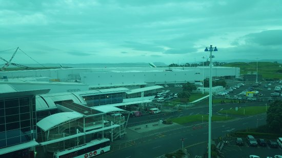 Mangere, New Zealand: View to the west through the bedroom tinted glass