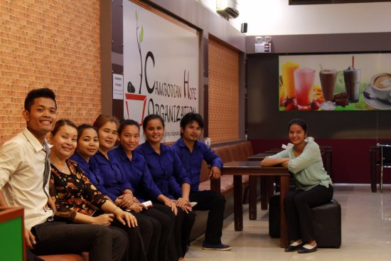 Poipet, Kamboja: Meet the Staff