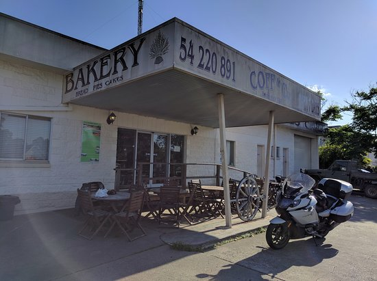 Kilcoy, Australia: Coff and Co Bakery in the morning