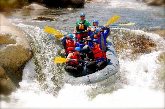 Rafting en eaux vives sur le fleuve...
