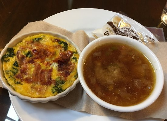 Cranberry's Grocery & Eatery: Soup and quiche
