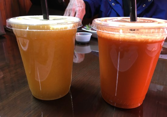 Cranberry's Grocery & Eatery: fresh mixed juices