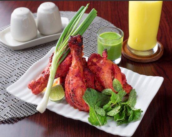 Everest Kitchen Bangkok: Our best tandoori chicken
