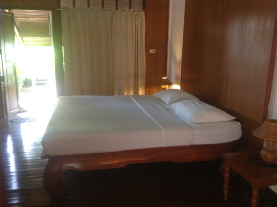 Utopia Resort: Up graded bedroom