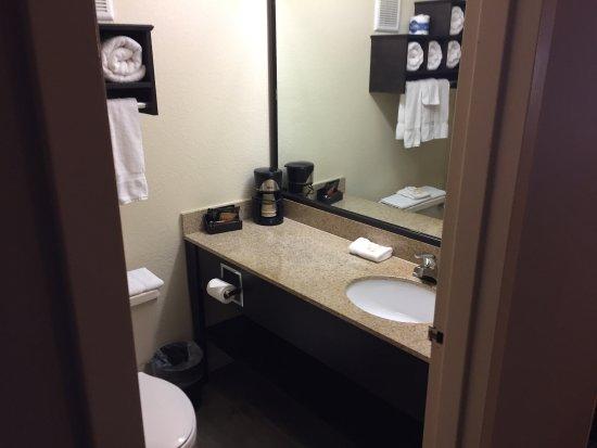La Quinta Inn & Suites Memphis Airport Graceland: photo1.jpg