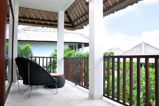 Blue Point Bay Villas & Spa: Balcony of Deluxe Suite room