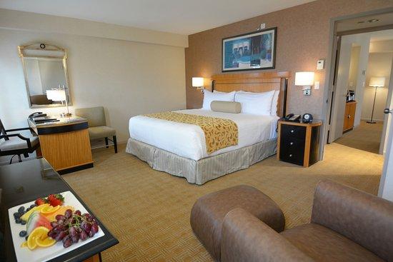 เกรตเนค, นิวยอร์ก: Superior Suite Bedroom - Inn at Great Neck