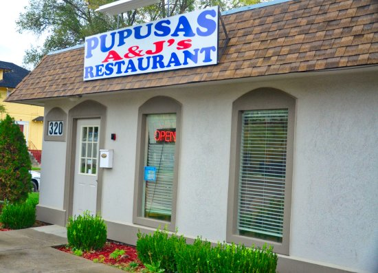 Caldwell, ID: Entrance to Pupusas A&J's.