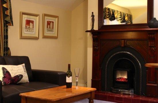 Ashmont Motor Inn & Apartments Photo