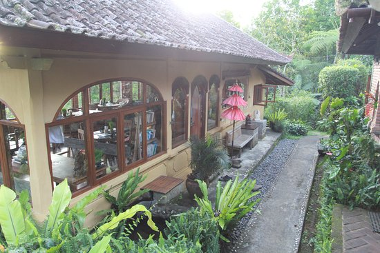 Sarinbuana Eco Lodge: The restaurant with magnificent views and delicious organic cuisine - Must Try the ice-cream!