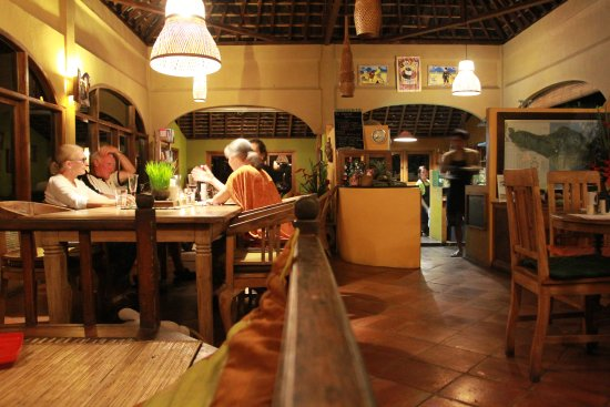 Sarinbuana Eco Lodge: A quiet night in the restaurant