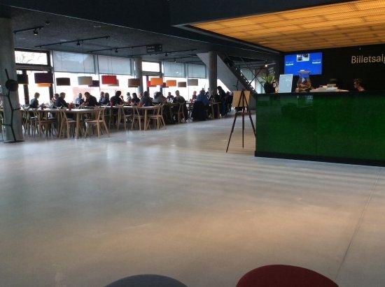 Hjoerring, Δανία: Caférestauranten er placeret i teatrets foyér