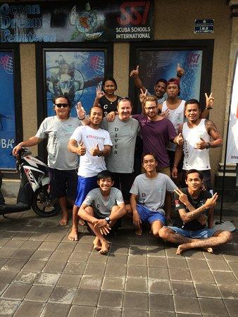 Πεμουτεράν, Ινδονησία: Ocean Dreams-Team