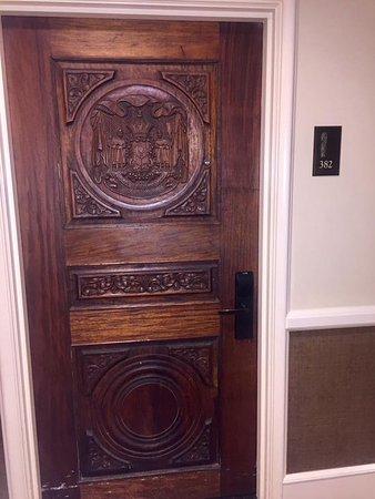 The Royal Hawaiian, a Luxury Collection Resort: Door to the room