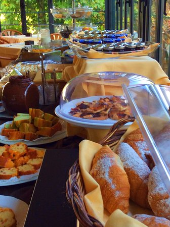 Collepepe, Italy: Buffet Breakfast