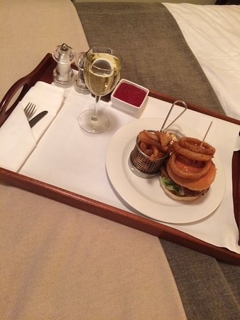 St. George's Hotel: Room service anyone ?