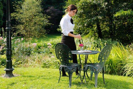 Chez Maw : terrace dining
