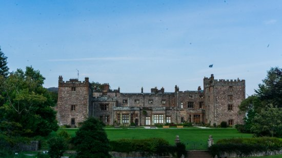 Ravenglass, UK: Muncaster Castle