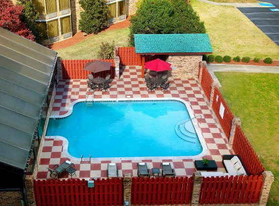 Doubletree by Hilton Hotel Murfreesboro: Outdoor Pool