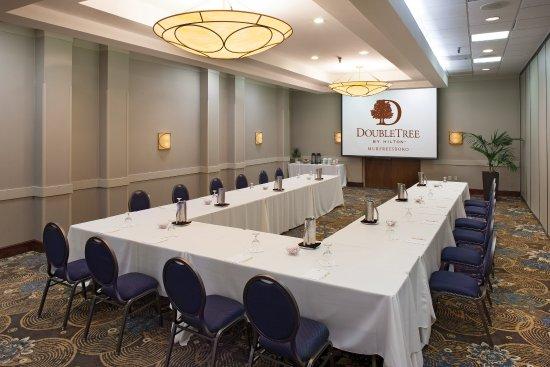 Murfreesboro, TN: Meeting UShape