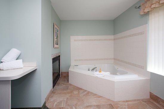 La Quinta Inn & Suites Newport: Suite SJ 3