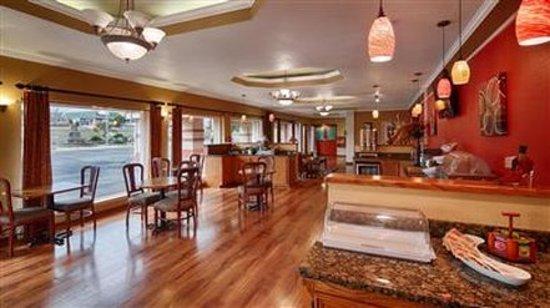 Burnet, TX: [ ]Breakfast Room