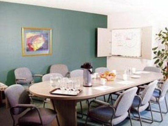 Quality Suites Quebec City: Meeting boardroom