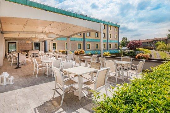 โรงแรมคราวเนพลาซา มิลาน-มัลเปนซาแอร์พอร์ต