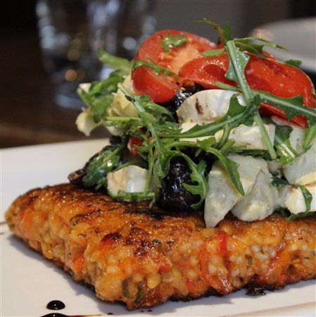 Easingwold, UK: Pan-Fried Roasted Red Pepper Risotto Cake