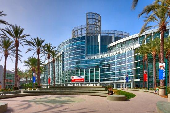 Cortona Inn & Suites Anaheim Resort: Cortona Anaheim Conv Cntr Copy