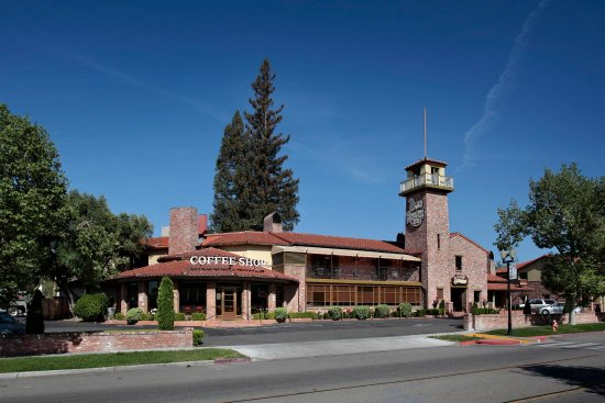 Paso Robles Inn & Paso Robles Steakhouse