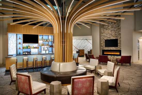 Lake Oswego, OR: Experience the new Oswego Atrium Bar open for Happy Hour weekdays