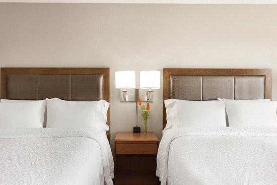 Glendale, Kolorado: 2 Queen Bed Guest