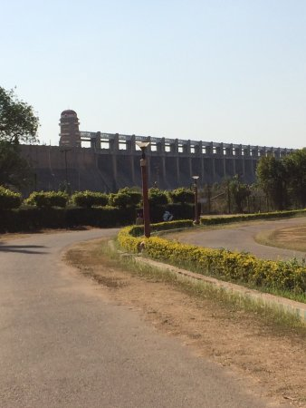 Tungabhadra Gardens and Dam: photo0.jpg