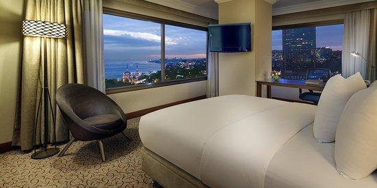 ฮิลตัน พาร์คซา อิสตันบูล: Junior Suite with Bosphorus View