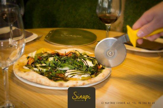 Sinapi Restaurante: Pizzaïolo un placer para los sentiodos