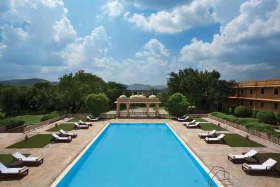 Trident Udaipur: Trident, Udaipur - Swimming Pool