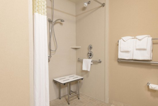 นอร์มัล, อิลลินอยส์: ADA Bathroom Shower