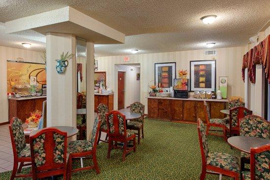 Kingsland, GA: Breakfast Area