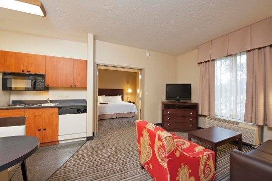 Lincolnshire, IL: King Bedroom Suite
