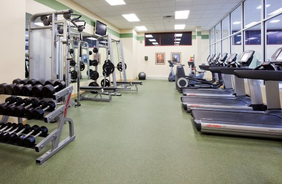 Wauwatosa, WI: 24 hour Fitness Center - Crowne Plaza Milwaukee West