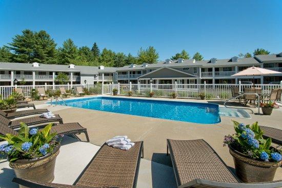 Kennebunk, ME: Pool View