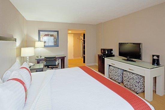 Dedham, MA: Deluxe Room