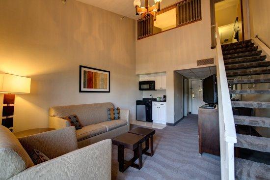 Holiday Inn Express San Diego N - Rancho Bernardo: XOTN - 2 story townhouse suite