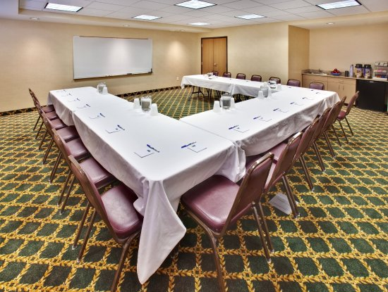 We have the largest Meeting Room in Bellevue, NE.