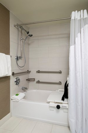 King of Prussia, Pensilvania: Guestroom with Accessible Tub